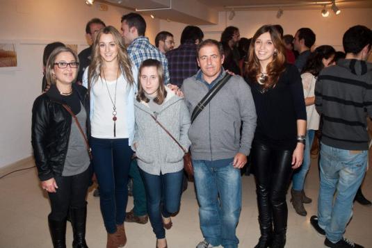 Alba amb els seus familiars