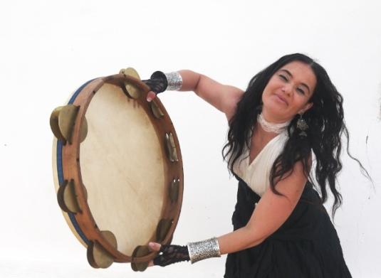 Mara Aranda, guardonada recentment als Premis Ovidis amb el millor disc de folk per 'Lo Testament' (Bureo Músiques, 2013).